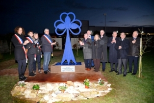 Unveiling of town twinning sculpture